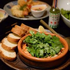 飲食店と農家のコラボレーション 若い女性に人気の創作料理